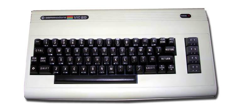 Commodore Vic-20 vista frontal
