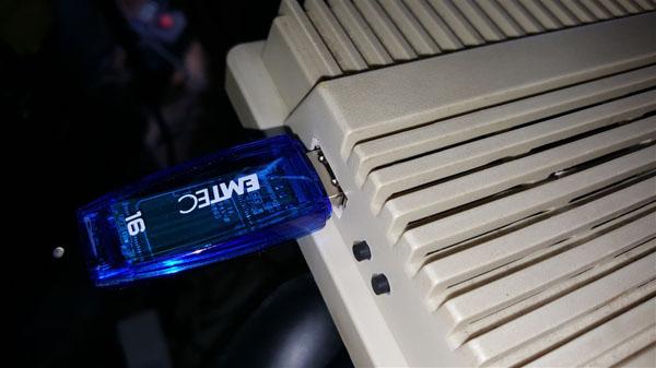 Instalación Gotek + Floppy internos en Amiga 500 con selector (36)