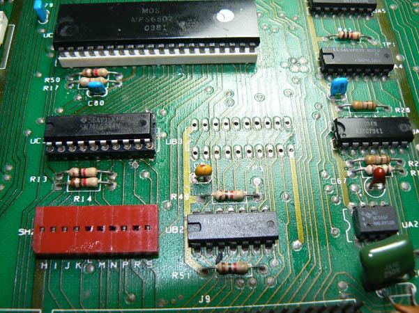 Cambio componentes Commodore Pet CBM 4032 (2)
