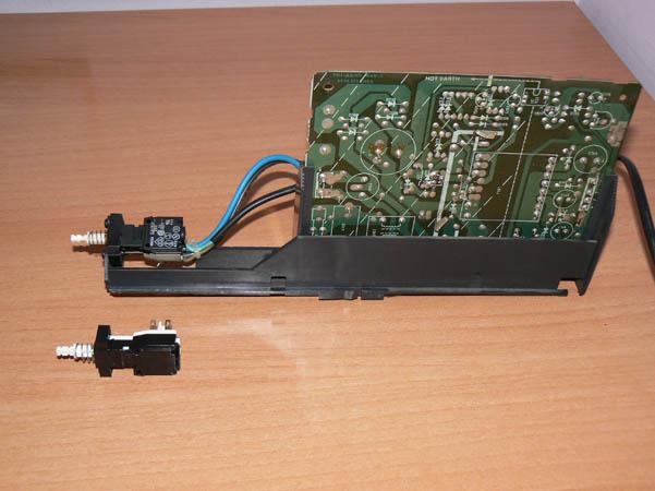 Reparación Monitor Commodore Amiga 1081 (23)