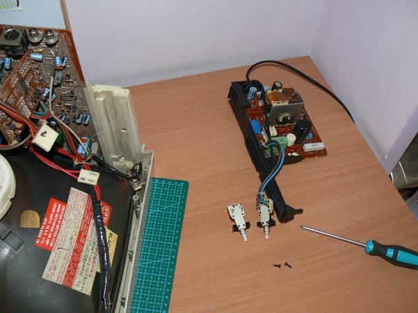 Reparación Monitor Commodore Amiga 1081 (26)