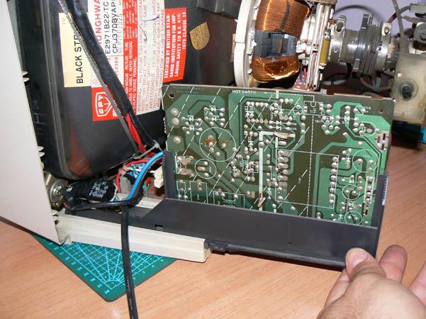 Reparación Monitor Commodore Amiga 1081 (9)