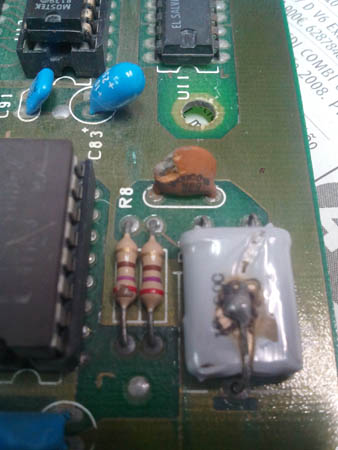 Reparación Placa Commodore Pet CBM 4032 (6)