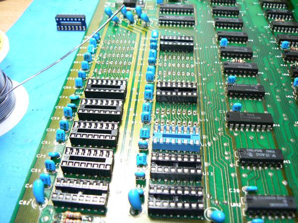 Reparación Placa Commodore Pet CBM 4032 (9)