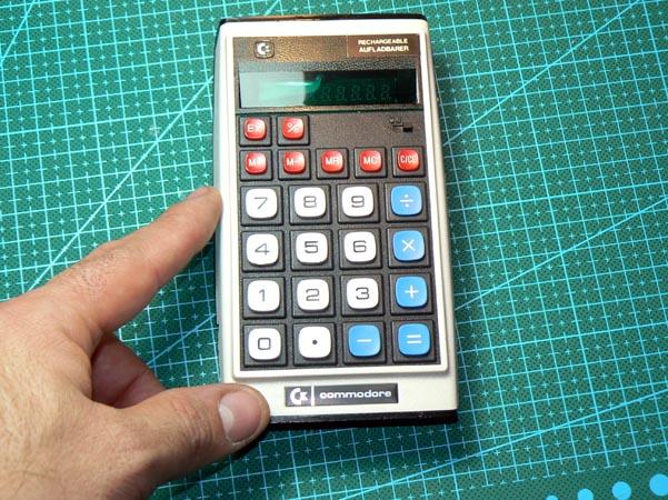 calculadora-commodore-9r-23-27