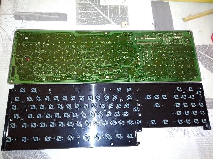 Teclado Commodore Amiga 2000 restauración (16)